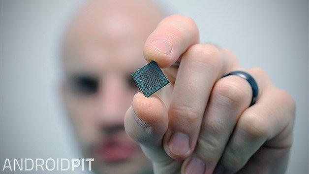 snapdragon 800 back closeup portrait