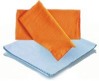Cloth to clean smartphones