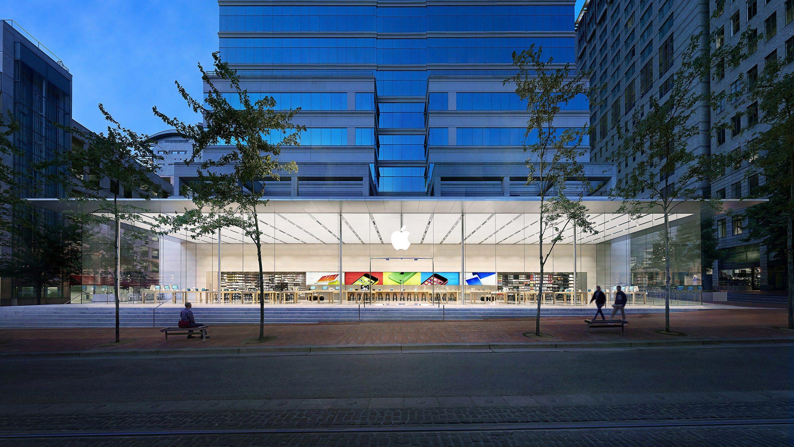 Apple Pioneer Place