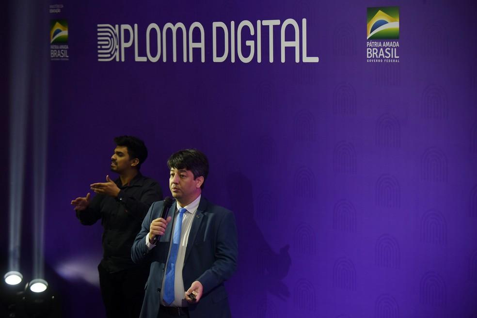 MEC launches digital diploma at last Tuesday ceremony (10) Photo: Reproduction / Gabriel Jabur / MEC