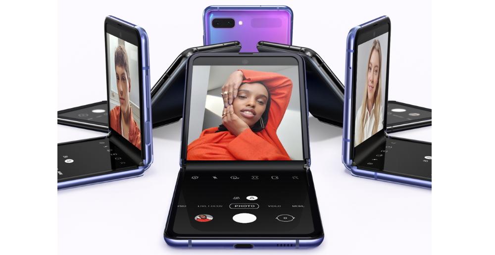 Z flip arrives to compete with Motorola Razr (V3)