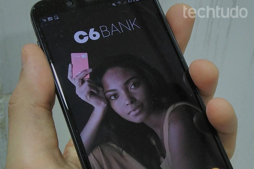 C6 Bank also offers an international account Photo: Daniel Dutra / TechTudo