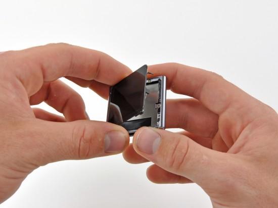 Opening iPod nano 6G; iFixit