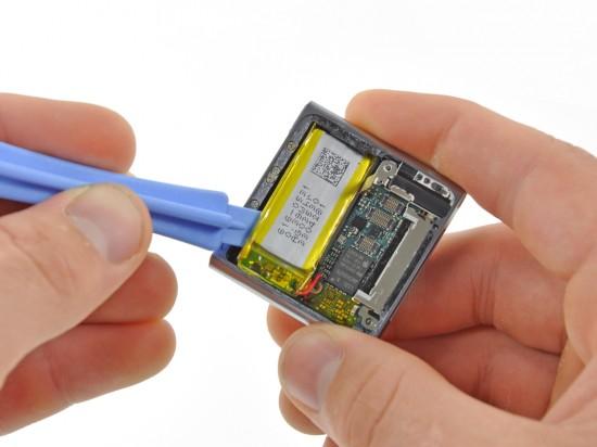 iPod nano 6G open; iFixit