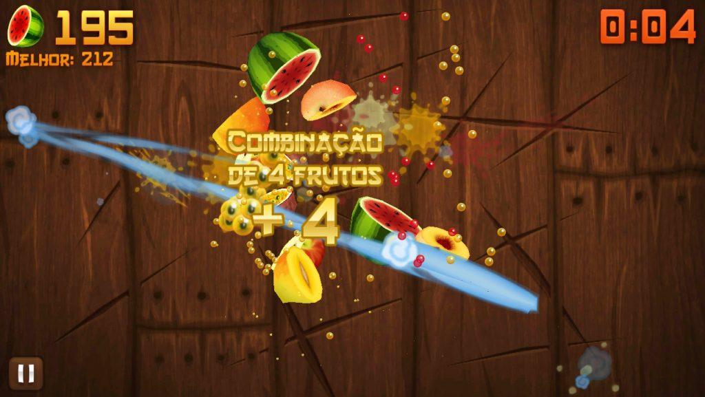 Fruit Ninja slicing fruit with 4-screen combo