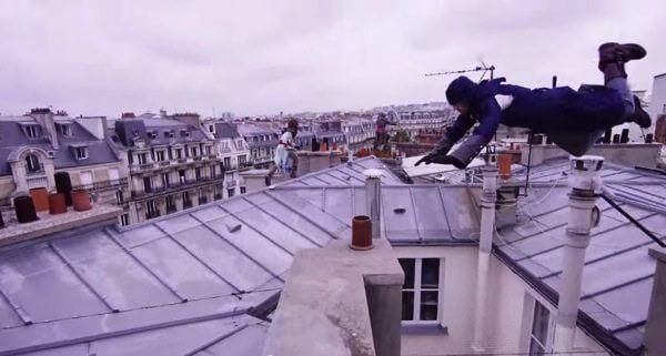 Incrível! Grupo de parkour simula Assassin's Creed pelas ruas de Paris