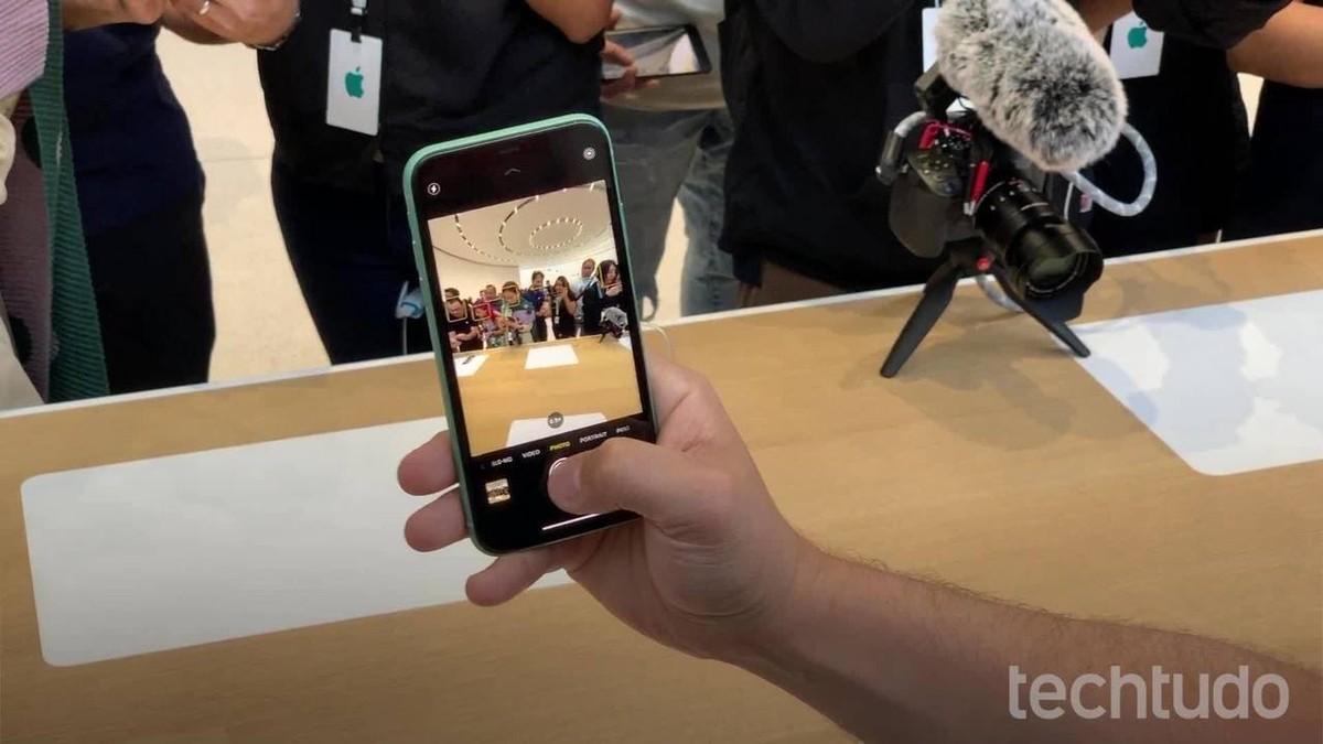 Apple ingin mencegah penerbitan buku yang dapat mengungkapkan rahasia perusahaan