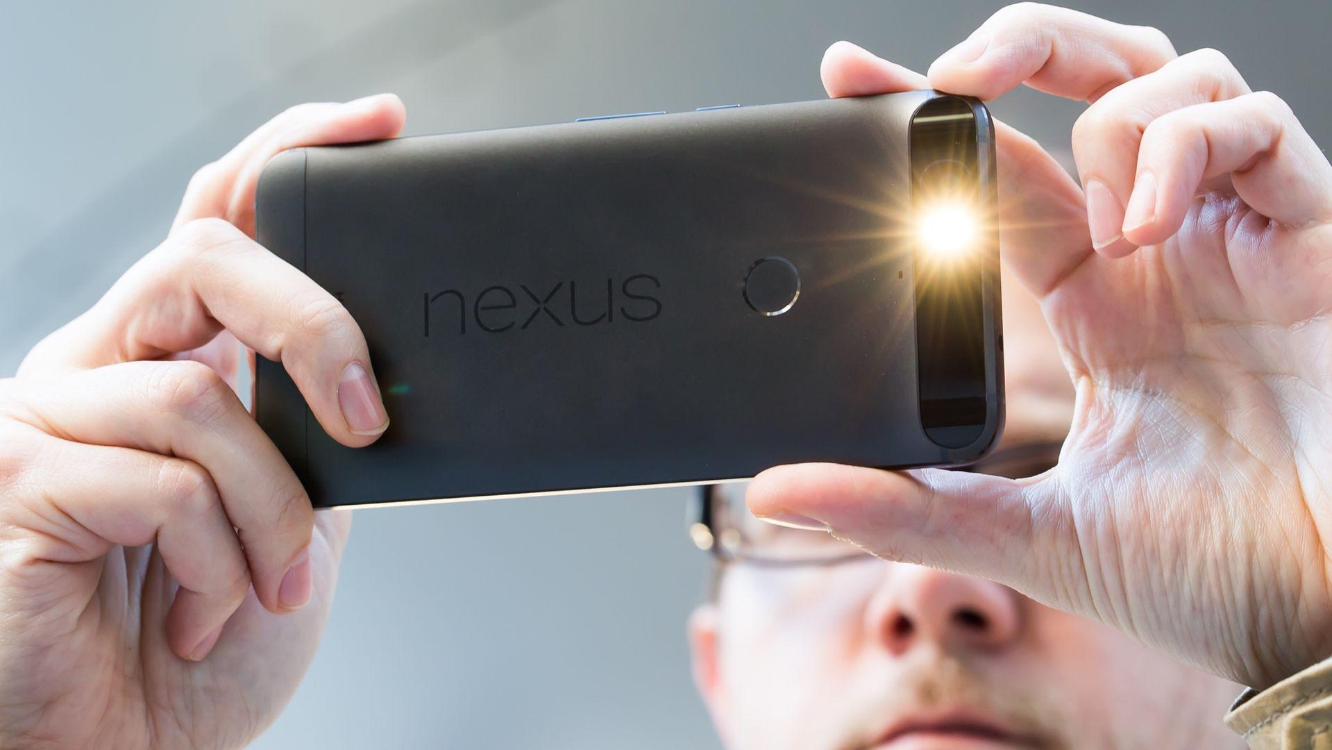 Bending the Nexus 6P is not as easy as it looks