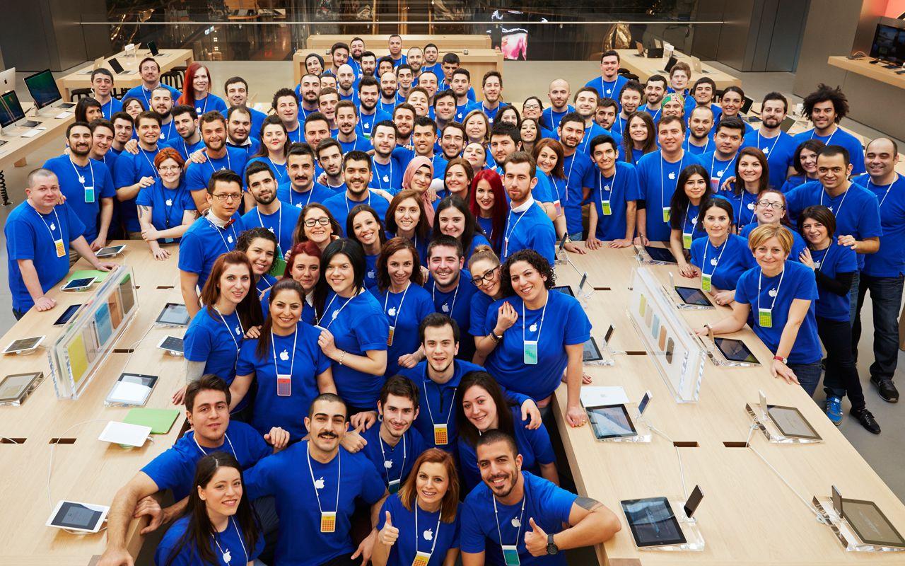 Apple Zorlu Center employees