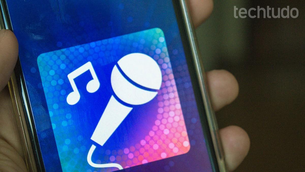 Aplikasi untuk bernyanyi: temukan aplikasi terbaik dengan selebriti atau karaoke